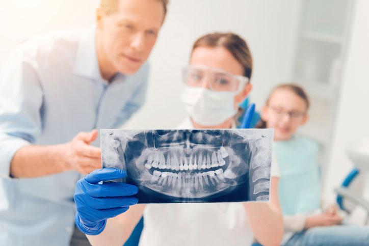 4 bienfaits liés à une extraction des dents de sagesse réalisée au bon moment