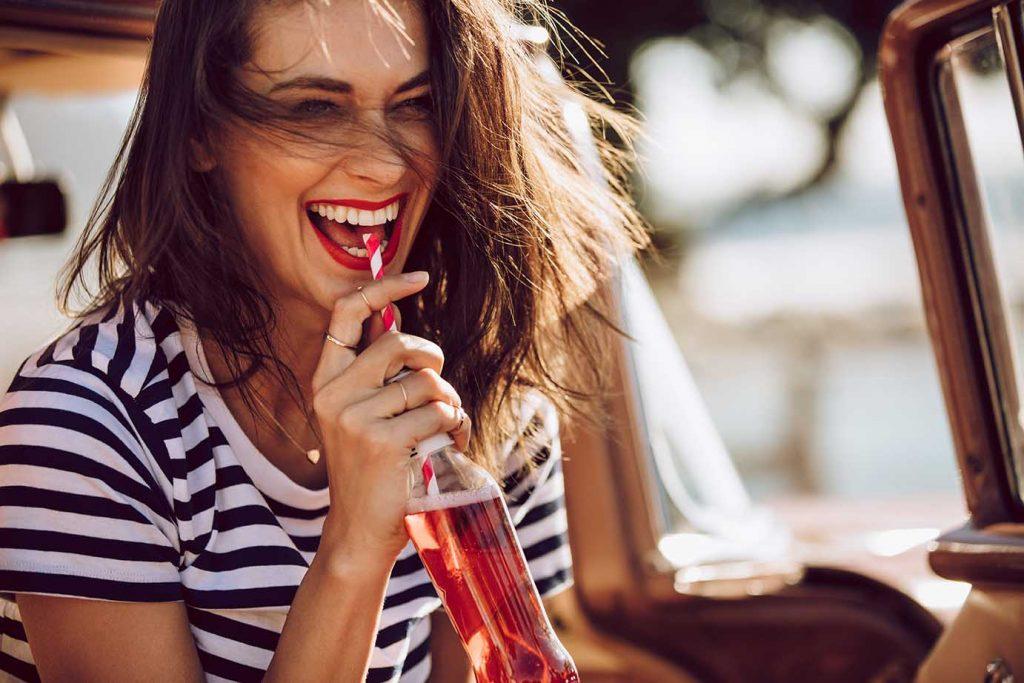 Les boissons gazeuses, énergisantes et sportives  et leurs effets sur les dents